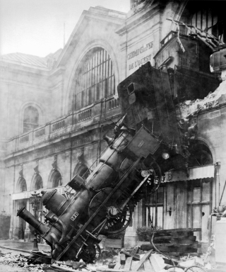 1895-accident-black-and-white-73821