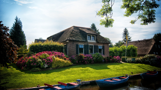 Architecture-boating-canal-534171