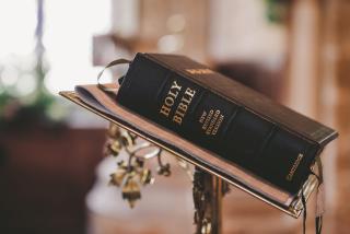 Bible-blur-christ-372326
