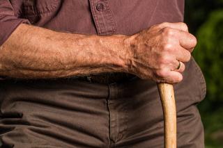 Aged-arm-cane-40141