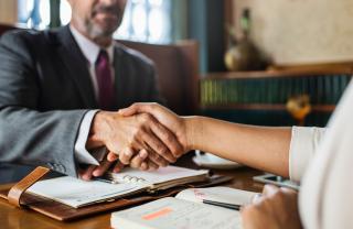 Adults-agreement-businessman-1056553