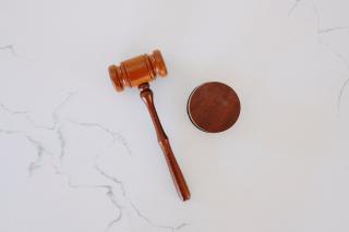 Tingey-injury-law-firm-6sl88x150Xs-unsplash (1)